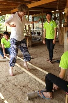 Kamu bamboo dancing